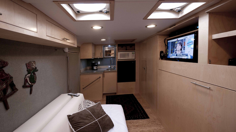Engineer Turns Trailer Into Luxurious Diy Camper