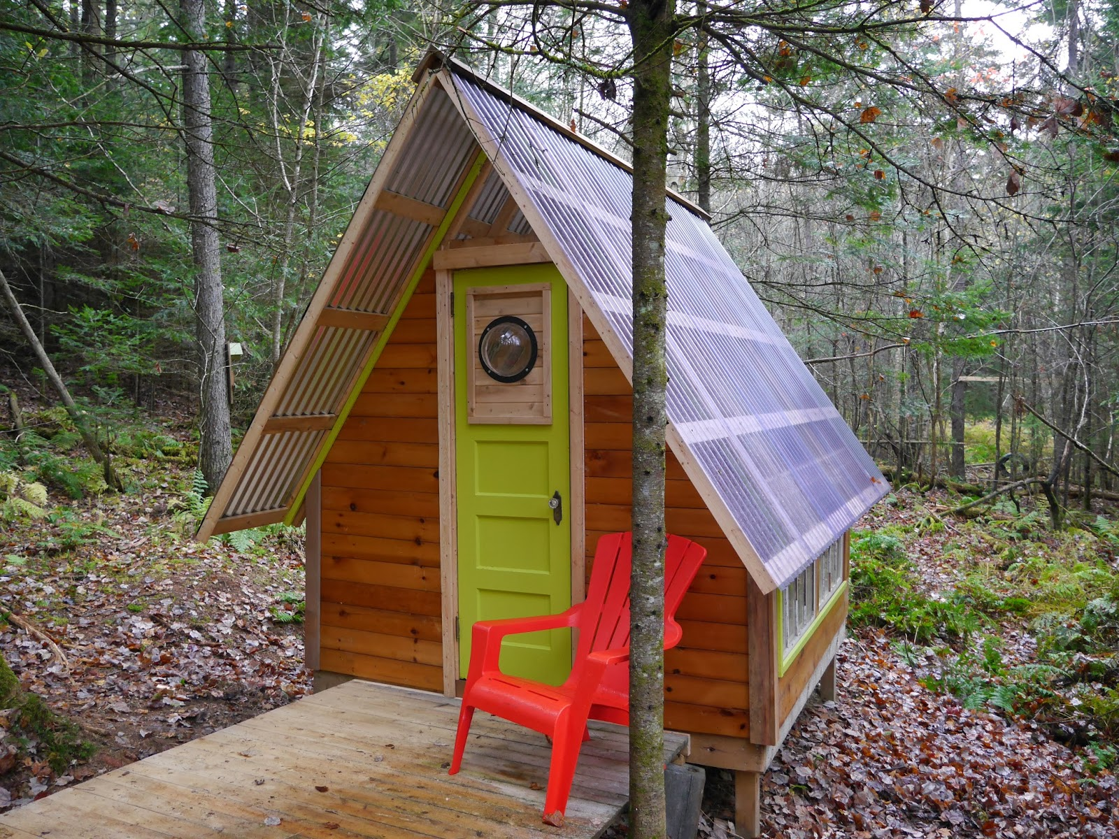 This Tiny Off Grid Cabin Was Built For Just 300