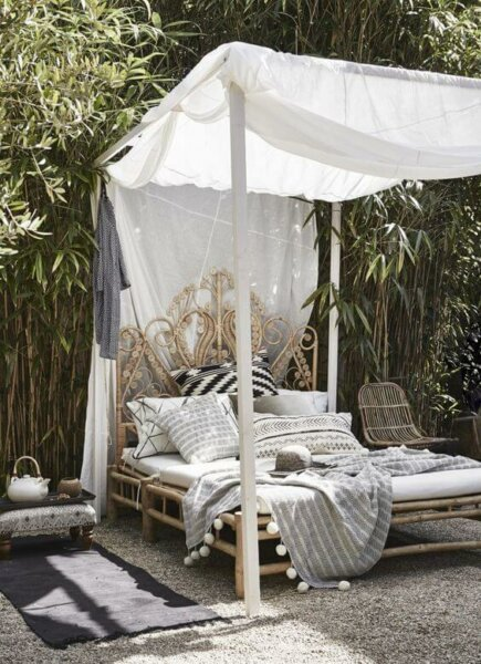 All in the Details Outdoor Daybed