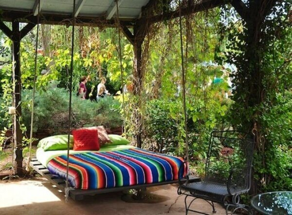 Garden Immersion Outdoor Bed