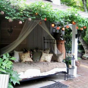 Summer Slumber Outdoor Daybed