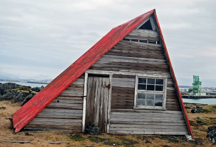 Salvaged Wood Sheds Insteading